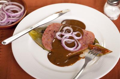 Nopal asado con jamón Kir