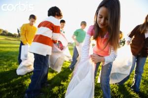 Servir como voluntarios estrecha los lazos familiares